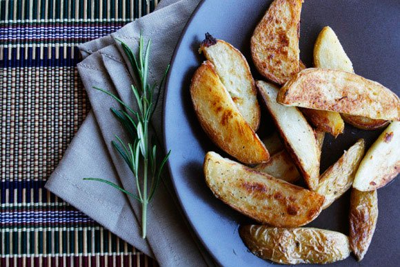 Spicchi di patate al forno,