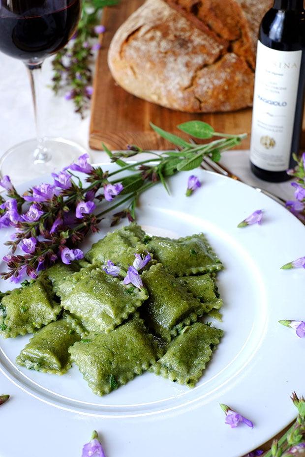 Ravioli verdi con ortica e patate 2