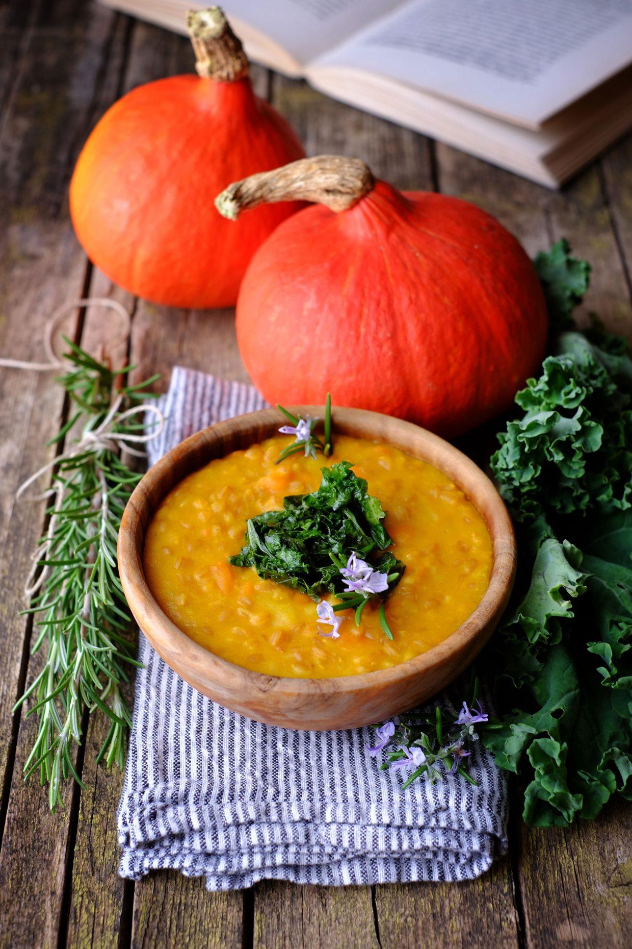 Zuppa di farro e zucca al miso con cavolo riccio saltato 15