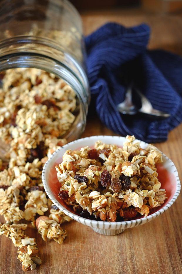 Granola fatta in casa senza zuccheri aggiunti, al forno o in essiccatore 1