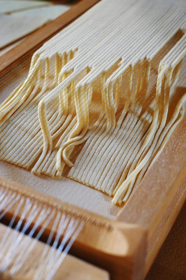 Chitarra di semola al ragù di nocciole della Tuscia con passata di pomodoro Siccagno 2
