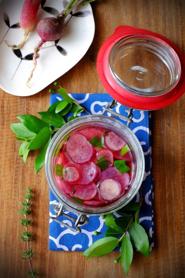 Insalatini di ravanelli con foglie di mirto e timo 1