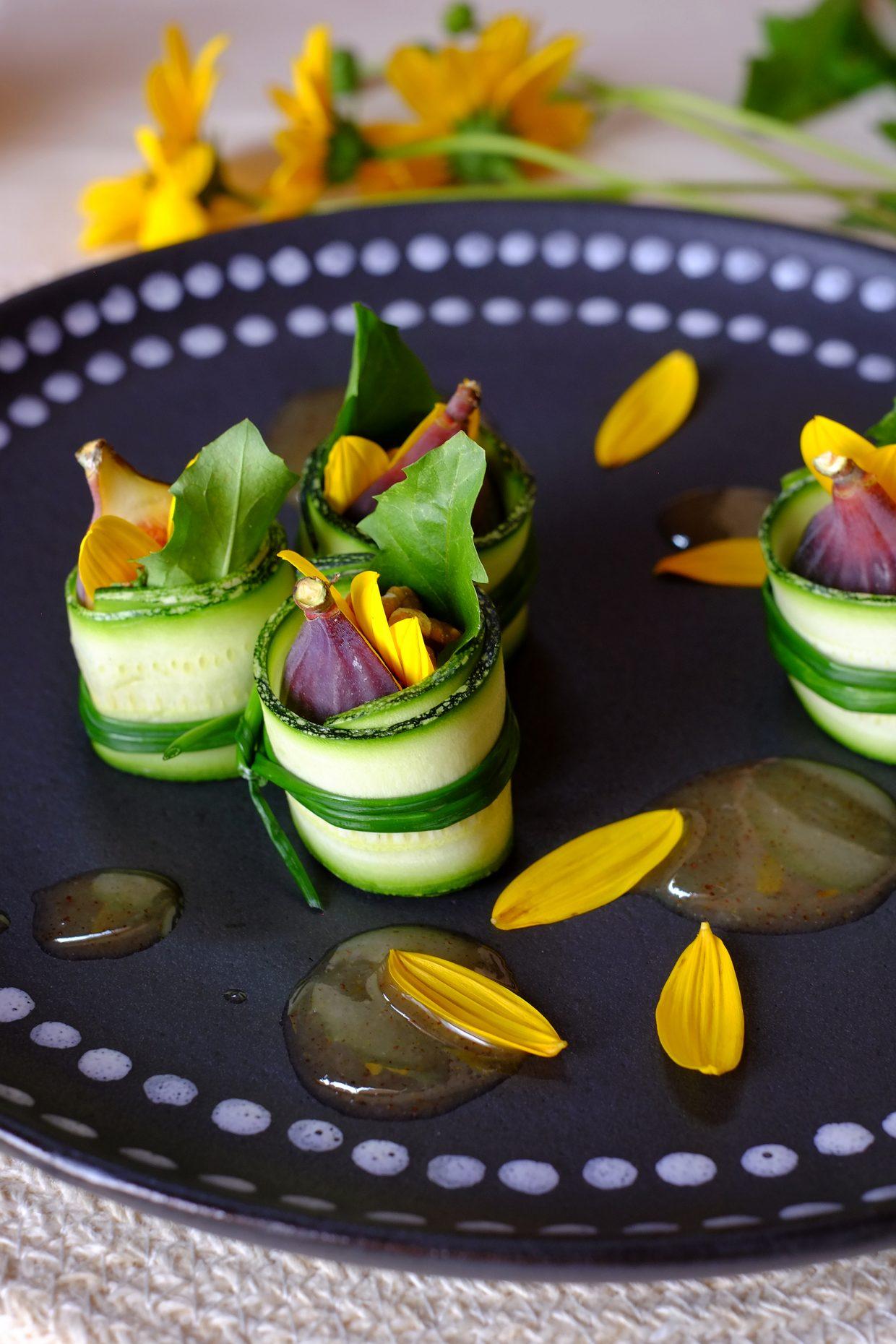 Involtini di fichi e zucchine con petali di topinambur e foglie di tarassaco 21