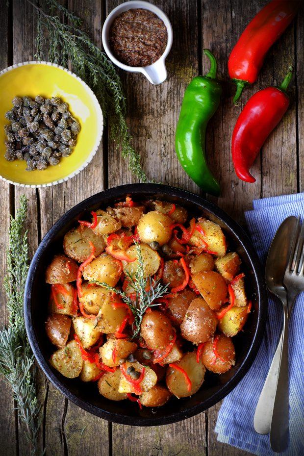 Insalata di patate Monalisa e Laura, con friggitelli rossi e artemisia dei calanchi 1